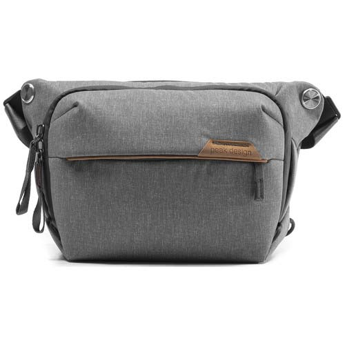 MOCHILA PEAK DESIGN EVERYDAY SLING 3L V2 ASH GRIS CENIZA PEAK DESIGN